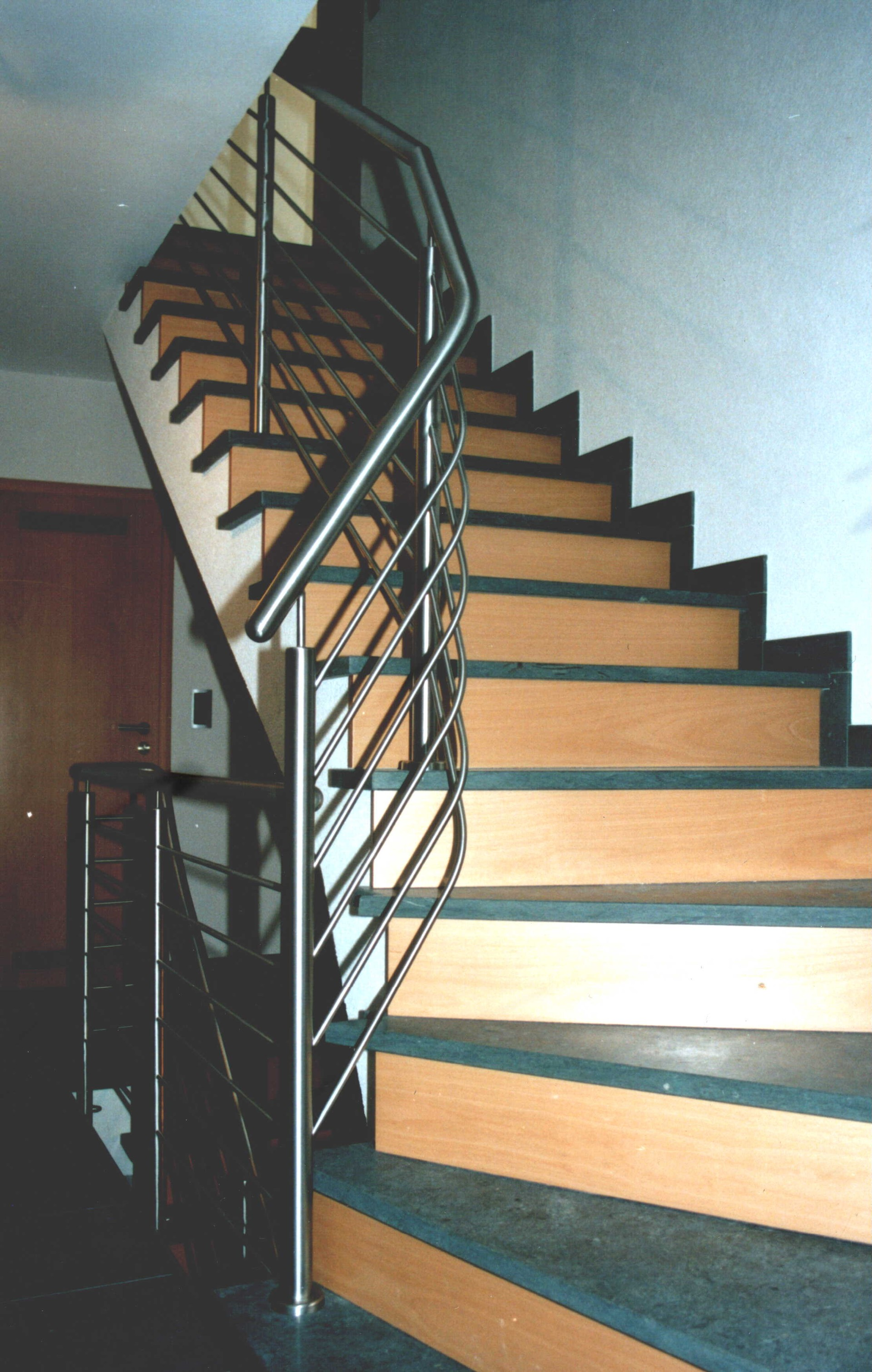 treppen gel nder metatec gmbh treppen gel nder balkongel nder terrassengel nder. Black Bedroom Furniture Sets. Home Design Ideas